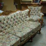 Ремонт, обивка, реставрация мебели на дому и в мастерской.